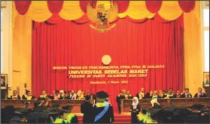 Periode III TA 2014/2015: UNS Wisuda 1.637 Mahasiswa